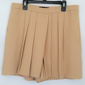 Tan Short Pleated Dress Shorts Size 6